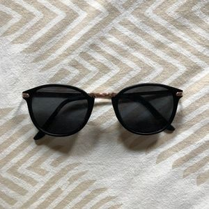 Accessories - Retro Black Sunglasses